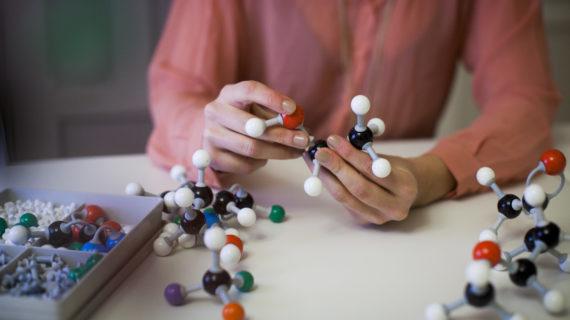Opptaksprøve i utlandet? – Forberedelseskurs i kjemi